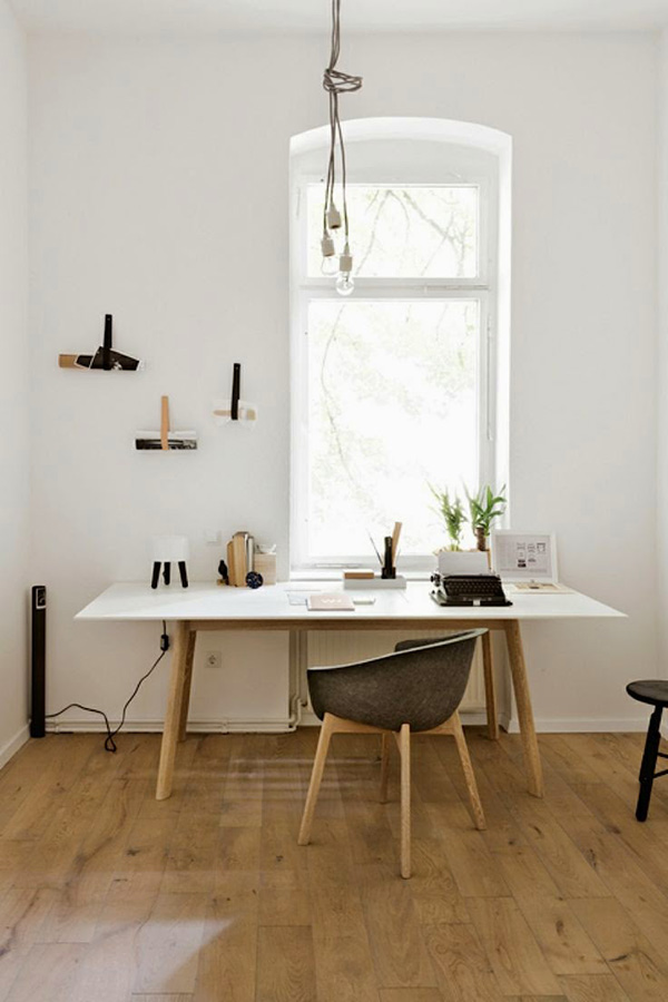 Minimal Workspace Coco Lapine Design