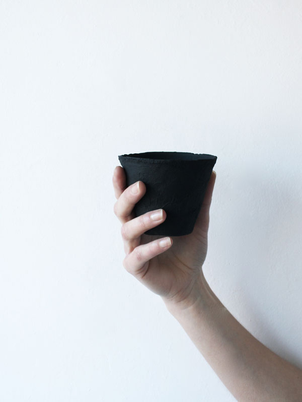 Cup_Charcoal_hand_SecondSkinCollection
