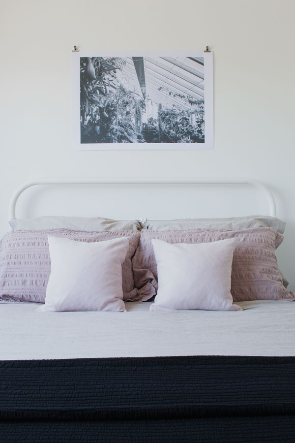 Simple-Bedroom-Styling-Tips3
