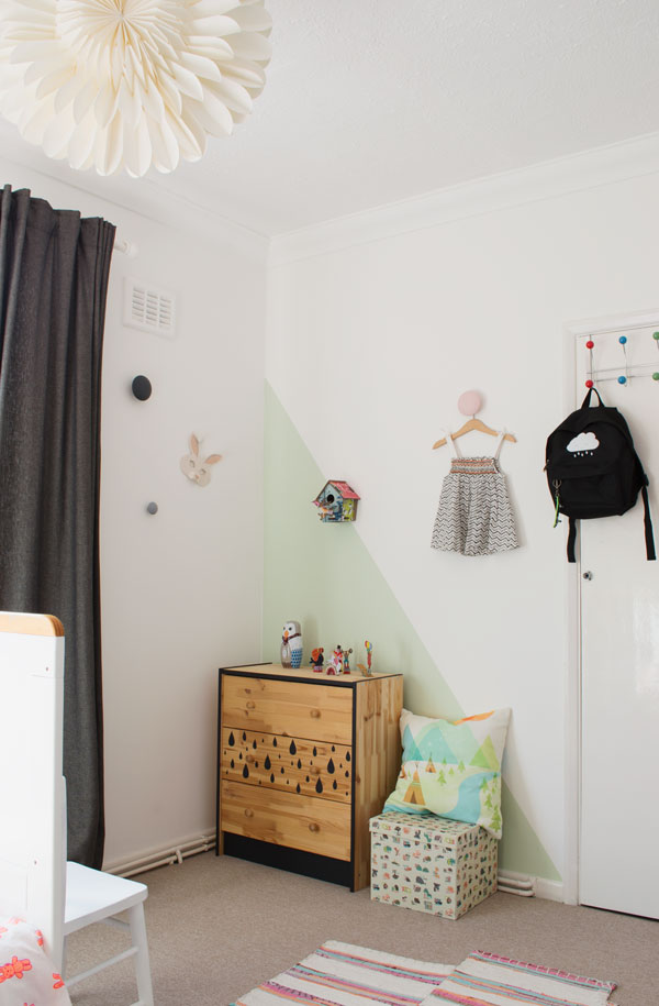 Bright_Renter_Friendly_Kids_Room_Decor_Styling_IKEA_Rast_Drawers_02