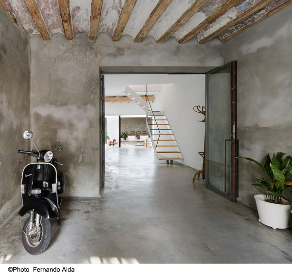 Home of Seville architects from the Behomm home exchange community for creative professionals