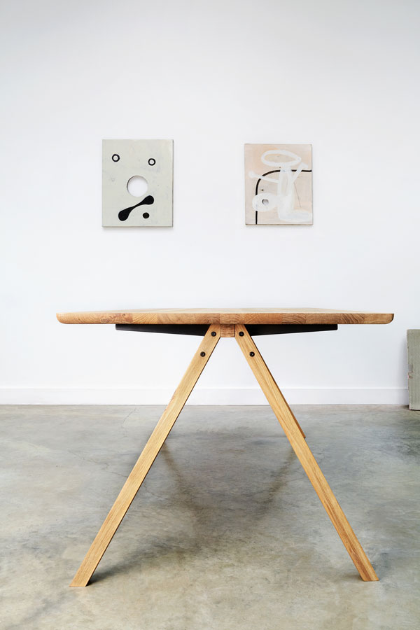 Universo Positivo Belgian furniture design wooden Flow table