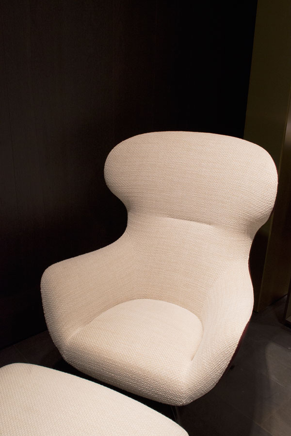 DDN Magazine Italian design brands tour at Salone del Mobile 2017 Milan, Poliform lounge chair